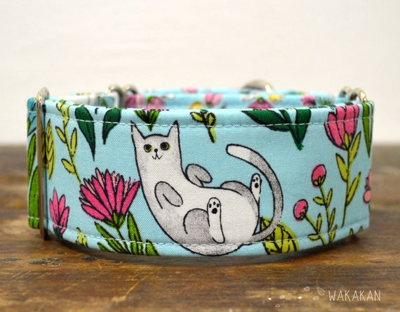Martingale dog collar model Catnip. Adjustable and handmade with 100% cotton fabric. Cat, garden. Wakakan