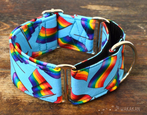 Martingale dog collar model Love is Love. Adjustable and handmade with 100% cotton fabric. Rainbow flag, LGTBI. Wakakan