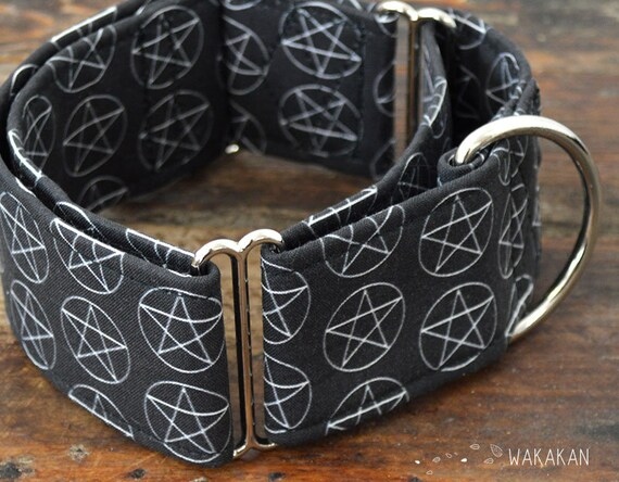 Martingale dog collar model Pentagram. Adjustable and handmade with 100% cotton fabric. Magic pentacle, coven. Wakakan