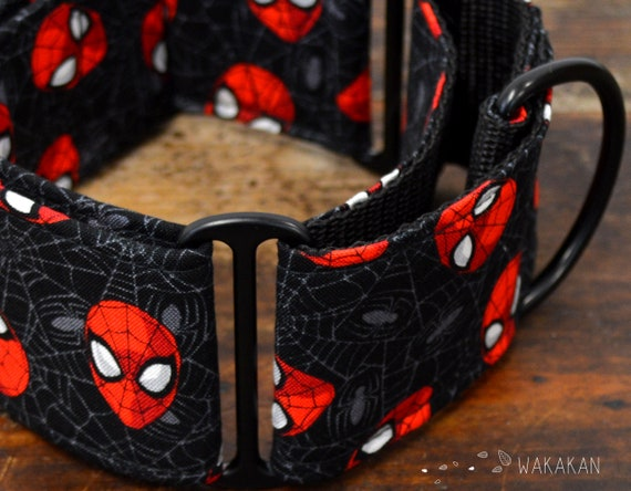 Martingale dog collar model Spiderman. Adjustable and handmade with 100% cotton fabric. Film, spider, Wakakan