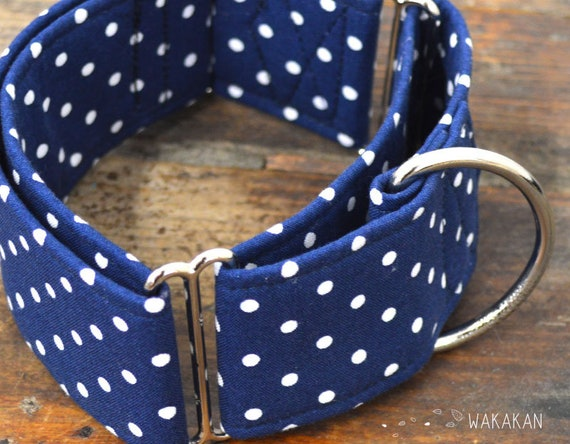 Martingale dog collar model Blue Dots. Adjustable and handmade with 100% cotton fabric. Wakakan