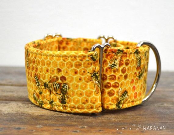 Martingale dog collar model BEE Sweet. Adjustable and handmade with 100% cotton fabric. Save the bees, honey. Wakakan