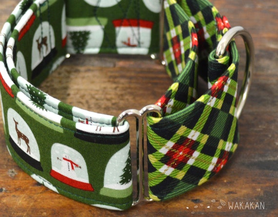 Martingale dog collar model Green Snow Globe. Adjustable and handmade with 100% cotton fabric. winter Wakakan