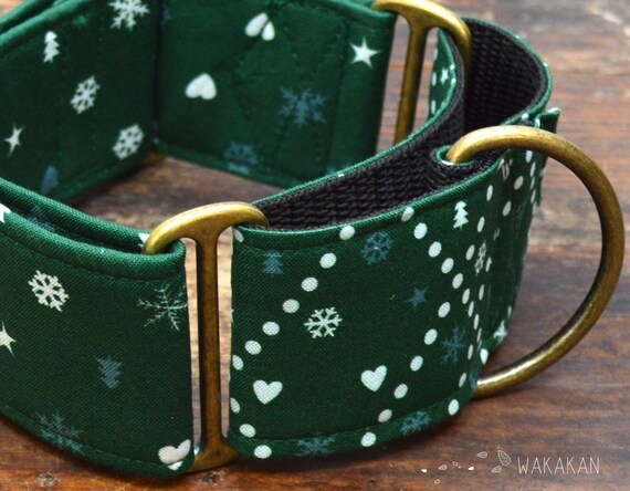 Martingale dog collar model Cozy Winter Green. Adjustable and handmade with 100% cotton fabric. Winter, xmas tree, snowflakes. Wakakan