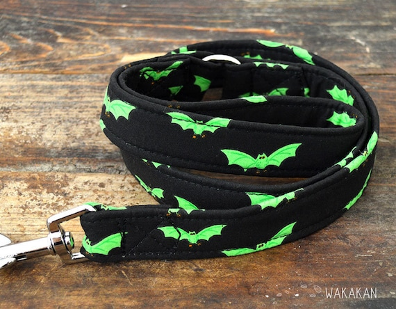 Leash for dog model Radioactive Bats . Handmade with 100% cotton fabric and webbing. Two lenght available. Wakakan