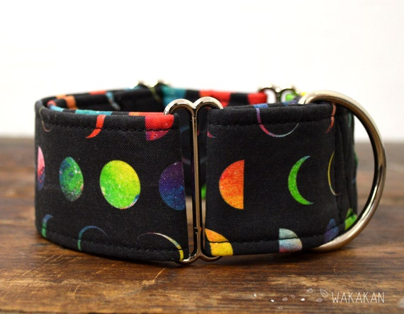 Martingale dog collar model Moonlight. Adjustable and handmade with 100% cotton fabric. moon phases, darkside Wakakan