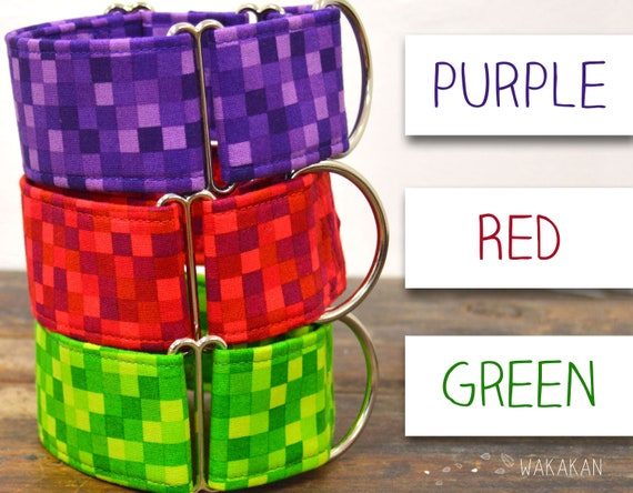 Martingale dog collar model Pixel. Adjustable and handmade with 100% cotton fabric. Green, red, purple. Wakakan