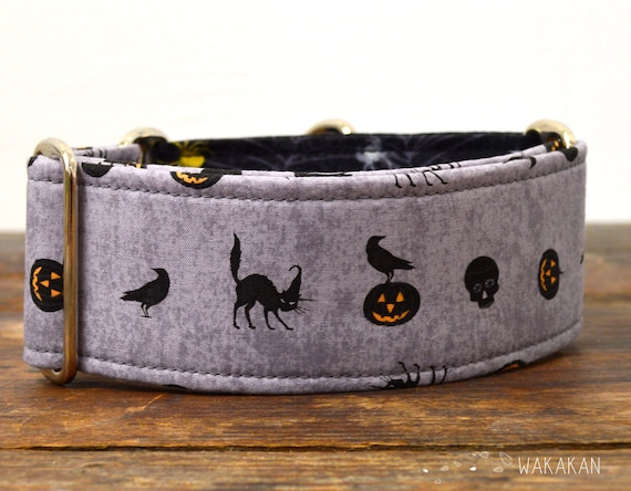 Martingale dog collar model Spellbound. Adjustable and handmade with 100% cotton fabric. Raven, witchy, halloween, Wakakan