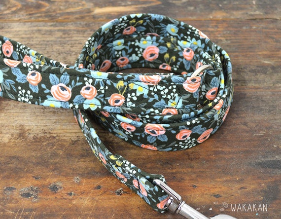 Leash for dog model Enchanted. Handmade with 100% cotton fabric and webbing. Two width available. Wakakan