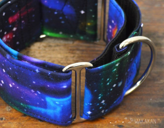 Martingale dog collar model Galaxy. Adjustable and handmade with 100% cotton fabric. colorful stars Wakakan