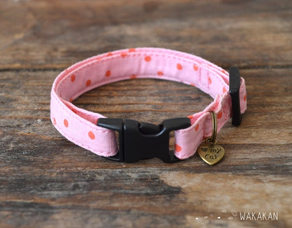 Cat collar Oh My Pink. Very soft. Made with 100% cotton fabric with a breakaway buckle. Wakakan