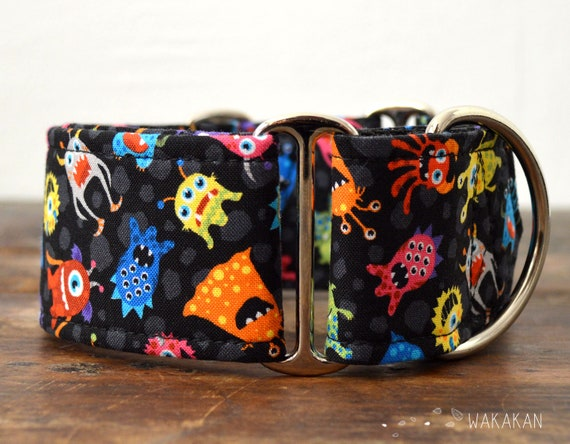 Martingale dog collar model Monster Party. Adjustable and handmade with 100% cotton fabric. Alien, galaxy Wakakan