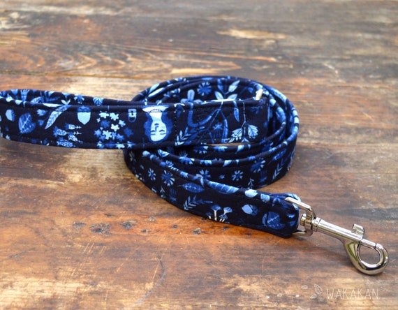 Leash for dog model Secret Garden. Handmade with 100% cotton fabric and webbing. Two width available. Wakakan