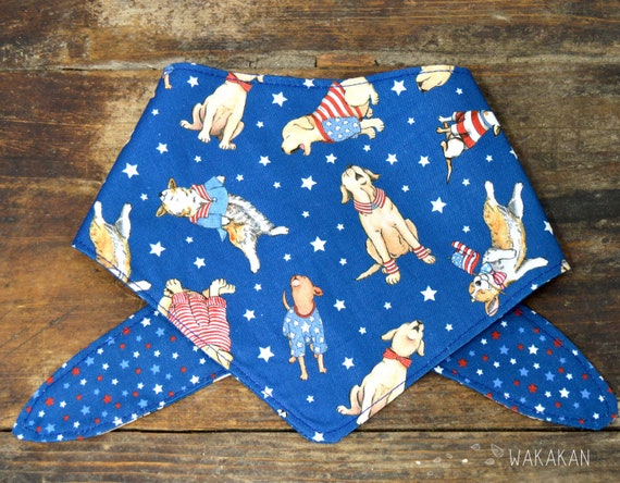 Tie-on reversible dog bandana model 4th of July. Handmade with 100% cotton fabric. Doggies, Independence Day, USA. Wakakan