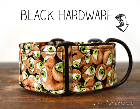 Martingale dog collar model All Eyes on US. Adjustable and handmade with 100% cotton fabric. Glow in the dark, green, creepy Wakakan