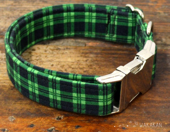 St Patrick's dog collar adjustable. Handmade with 100% cotton fabric. plaid black and green pattern. IrishWakakan