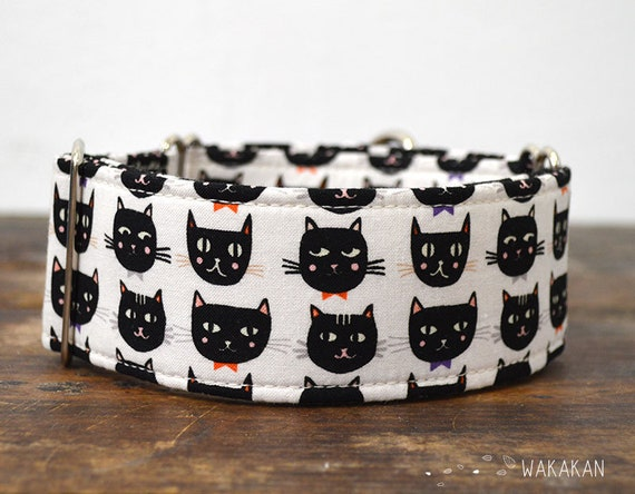 Martingale dog collar model Cats Faces. Adjustable and handmade with 100% cotton fabric. Cats with bowties. Wakakan