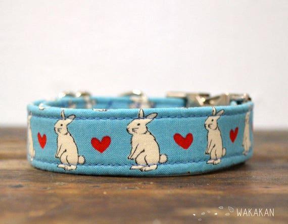 Love Bunny dog collar adjustable. Handmade with 100% cotton fabric. Eastern bunnies and hearts. Wakakan