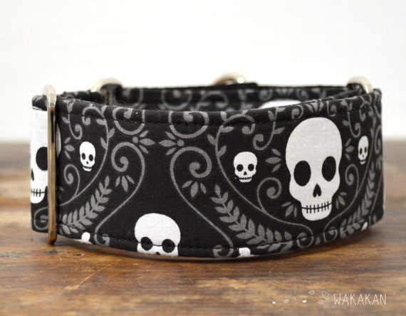 Martingale dog collar model Classic Skull. Adjustable and handmade with 100% cotton fabric. Halloween. Wakakan