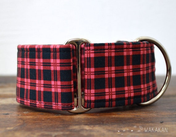 Martingale dog collar model Hipster Dark Pink. Adjustable and handmade with 100% cotton fabric. plaid red and black. Wakakan