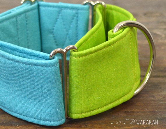 Martingale dog collar model Blue-Green Opalescence. Adjustable and handmade with 100% cotton fabric. Sparkle, blue and green. Wakakan