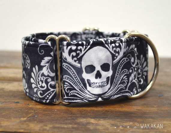 Martingale Victorian Skull dog collar adjustable. Handmade with 100% cotton fabric. Goth / rock design. Greyhound Wakakan