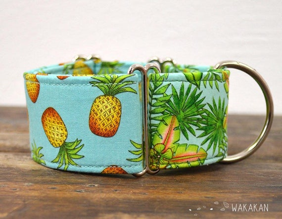 Martingale dog collar model Pineapple. Adjustable and handmade with 100% cotton fabric. Palm tree and Pineapple summer design Wakakan