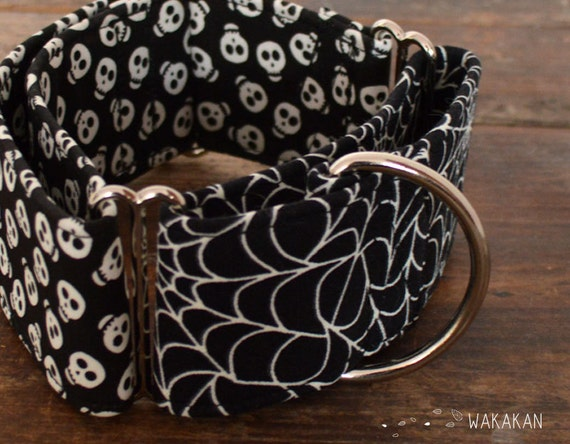 Martingale dog collar model  Who said Spiders?. Glow in the dark! Adjustable and handmade with 100% cotton fabric. Halloween Wakakan