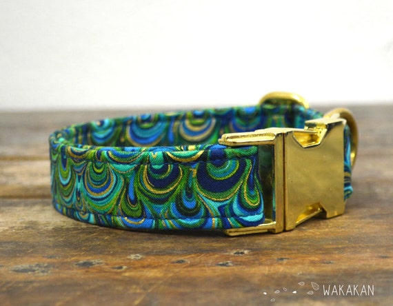 Under the Sea dog collar adjustable. Handmade with 100% cotton fabric. Turquoise, golden and blue scales. Elegant and chic. Wakakan