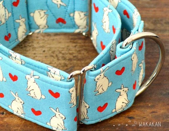 Martingale dog collar model Love  Bunny. Adjustable and handmade with 100% cotton fabric. Bunnies. Wakakan