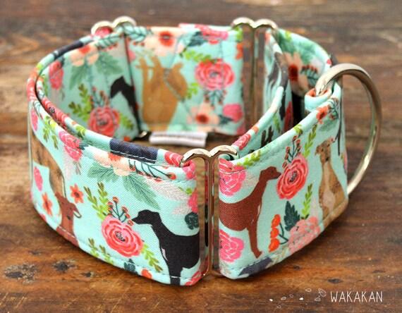 Martingale dog collar model Greys at Home. Adjustable and handmade with 100% cotton fabric. Beautiful greyhounds. Wakakan