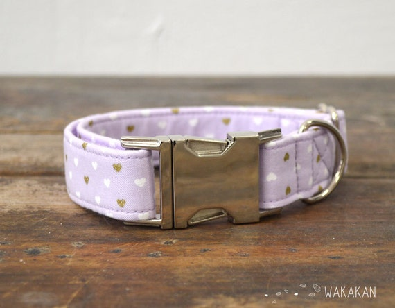 Lilac Hearts dog collar. Adjustable and handmade with 100% cotton fabric. Hearts gold and white. Wakakan