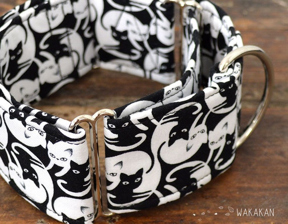 Martingale dog collar model YingYang Cats. Adjustable and handmade with 100% cotton fabric. Black and white cats. Wakakan