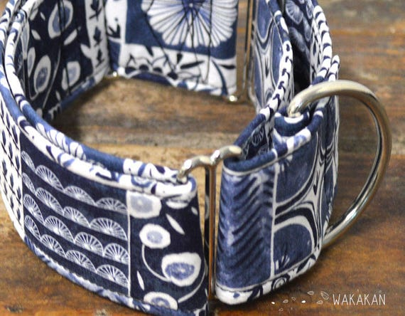 Martingale dog collar model Tiles. Adjustable and handmade with 100% cotton fabric. vintage blue style Wakakan