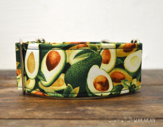 Martingale dog collar model Avocados. Adjustable and handmade with 100% cotton fabric. Vegetable, salad Wakakan