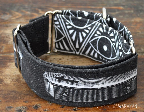 Martingale dog collar model Coffin. Adjustable and handmade with 100% cotton fabric. Vampire, dead. Wakakan