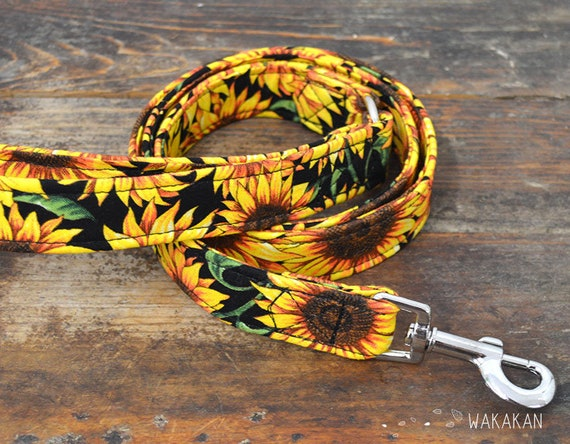 Leash for dog Sunflowers. Handmade with 100% cotton fabric and webbing. Two width available. Wakakan