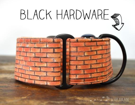 Martingale dog collar Bricks. Adjustable and handmade with 100% cotton fabric. Wall, brown. Wakakan
