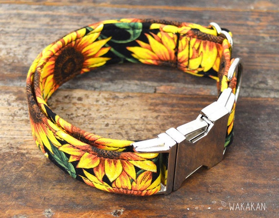 Sunflowers dog collar adjustable. Handmade with 100% cotton fabric. Flower pattern, sun. Wakakan