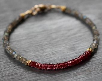 Labradorite and Garnet Bracelet, Beaded Labradorite Bracelet, Gemstone Boho Bracelet, Gemstone Stacking Bracelet, Gift For Her