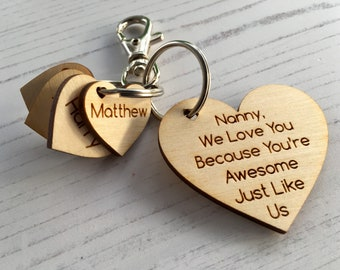 Custom keyring with hearts - wooden heart with up to 8 names - Mother's Day favourite