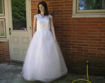 New with Tags Wedding Dress XXL (Good for pregnant woman too)
