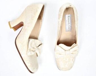 Sz 5.5 - 1960's Cream Damask 'Kenneth Cole' Bow Heels