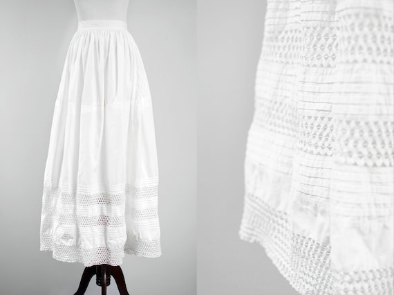 1910's  Edwardian White Cotton Rickrack Pintuck Ma