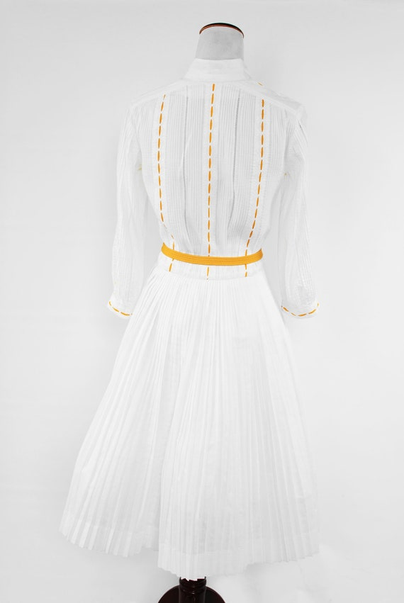 1950's White Cotton Long-sleeve Pleated Shirtdres… - image 4