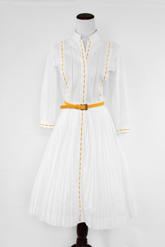 1950's White Cotton Long-sleeve Pleated Shirtdres… - image 2
