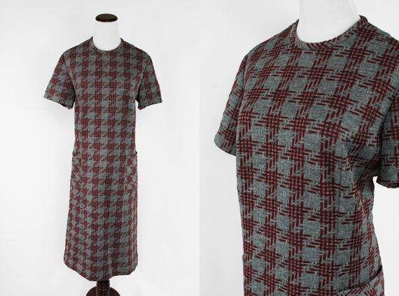 1960's Grey & Burgundy Houndstooth Knit Pocket Dre