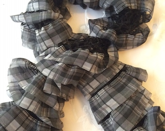 Ruffle Scarf - Highlands