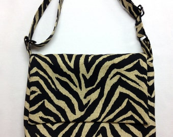 The Zebra: Messenger Bag (Zebra Stripe Print)