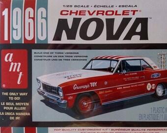 AMT772 - 1966 Chevrolet Nova 3n1 1/25 Scale Model Kit